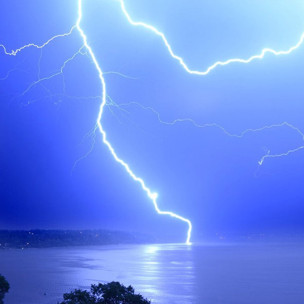 Bainbridge Island Get Help Emergency Lightning strike